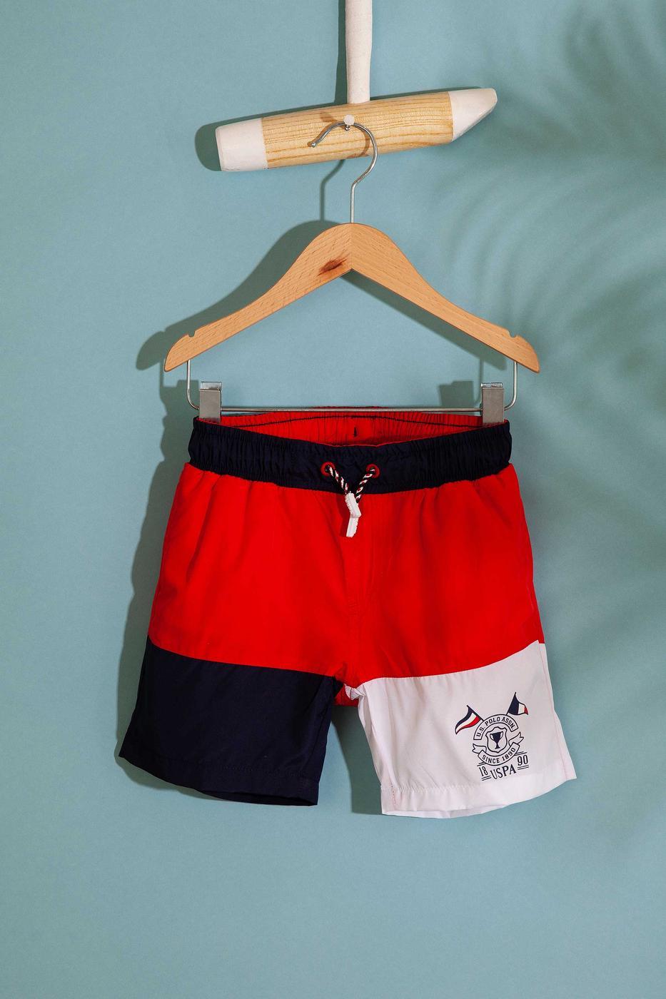 Kırmızı Yüzme Giyim