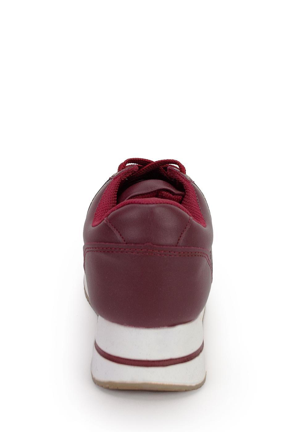 Kırmızı Ayakkabı